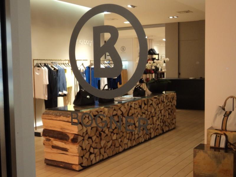 Un tronc d arbre travers la boutique blogue de via for Tronc d arbre pour decoration