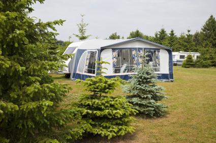 Site Camping Caravan ISTOCKPHOTO art-de-vivre