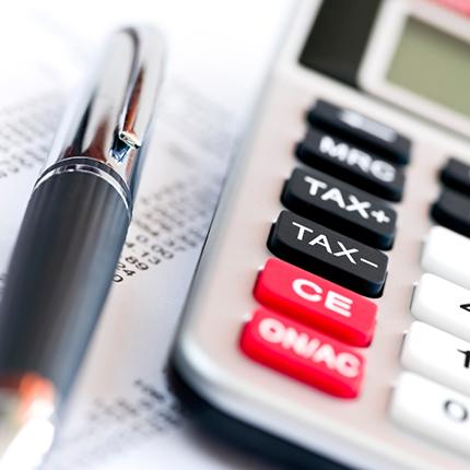 Surprises Impots Calculatrice ISTOCKPHOTO Finance
