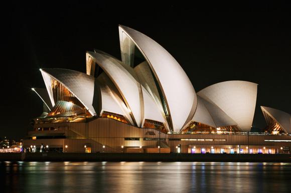 Sydney-Opera-House-ISTOCKPHOTO-inusite