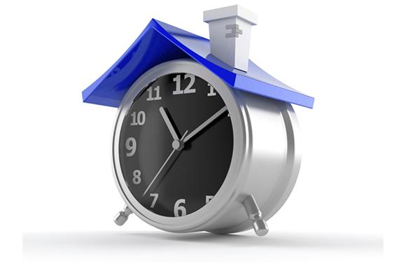 Horloge_Toit_Pret_Hypothecaire_ISTOCKPHOTO_finance