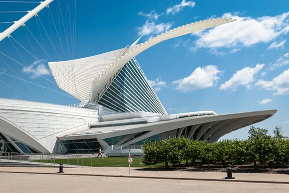 Milwaukee-Art-Museum_ISTOCKPHOTO_inusite