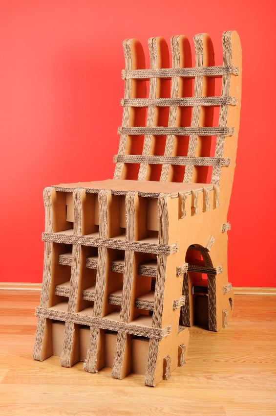 Chaise de carton. iStockphoto LP