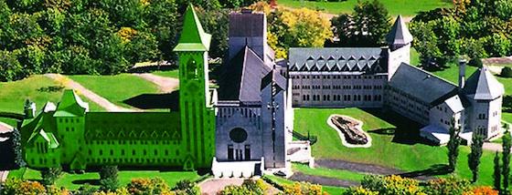 Abbaye Saint-Benoit-du-lac (photo autorisée par l'Abbaye)