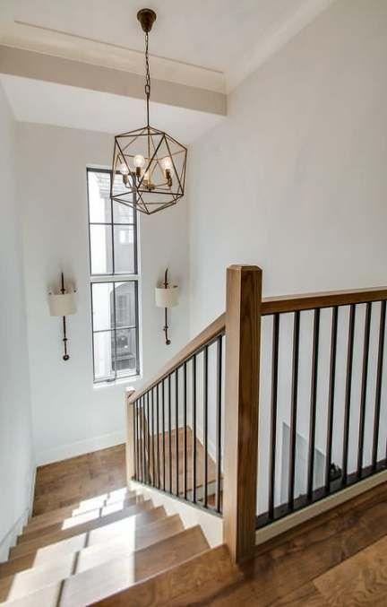 lustre escaliers maison